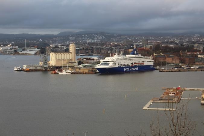 Blick auf die Festung Akershus, Akerbrygge und Tjuvholmen, Copyright: insidenorway.de