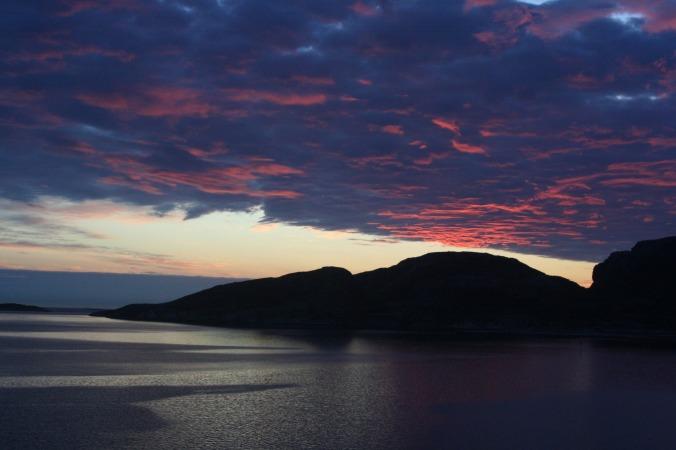 Sonnenuntergang auf dem Weg zum Nordkapp