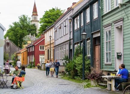 Bakklandet, Trondheim, Copyright: CH - Visitnorway.com
