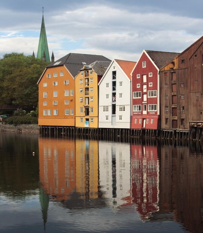 Lagerhäuser am Kanalhafen