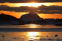 Sonnenuntergang in Brønnøy, Copyright: Magnar Solbakk / www.visithelgeland.com / Brønnøy