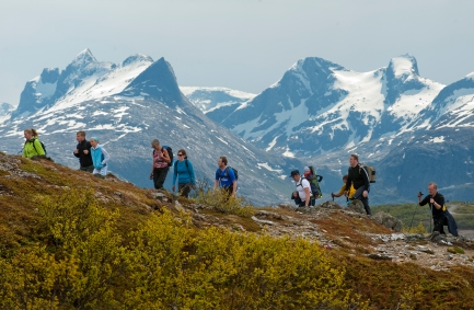 Wandern im Gebirge Børrvasstindene, Copyright: Ernst Furuhatt / www.nordnorge.com / Bodø