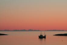 Mitternachtssonne im Vestfjord, Copyright: Benn Henriksen / www.nordnorge.com / Moskenes