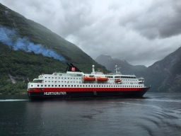 Die MS Nordlys im Geirangerfjord